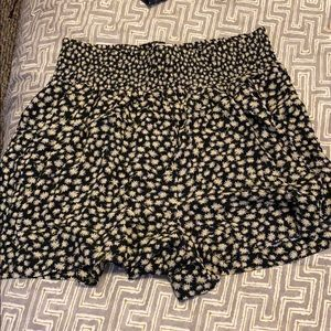 NEW American Eagle flowy sunflower shorts